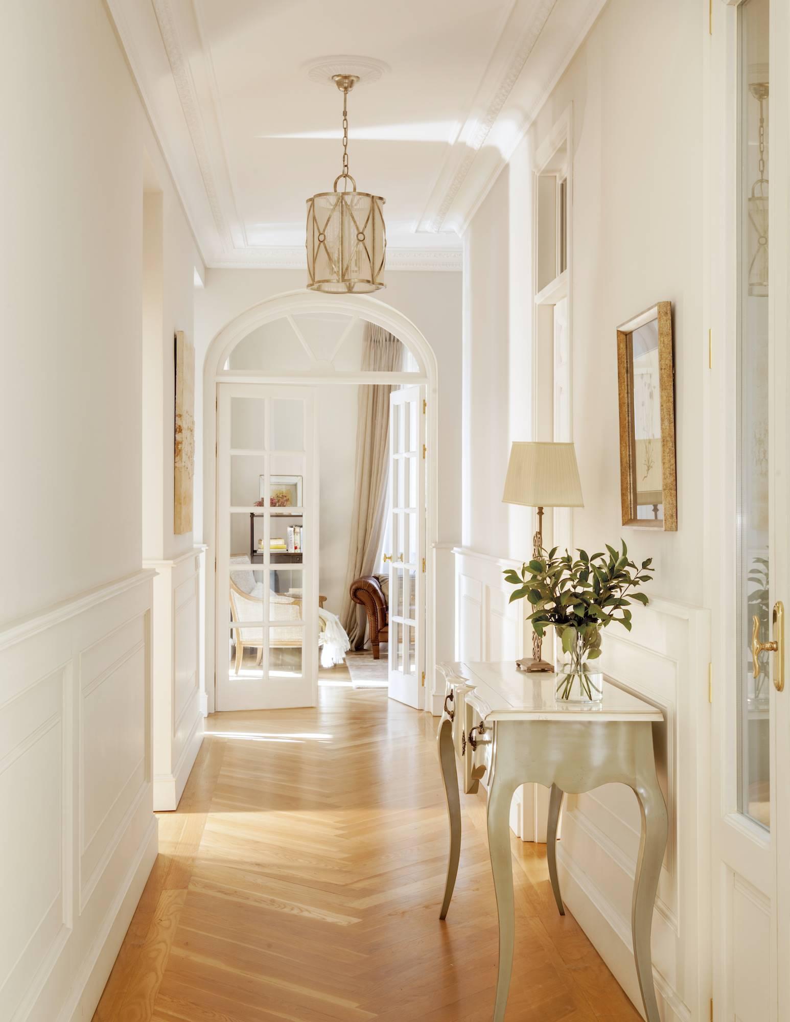 25 pasillos muy bien aprovechados - Como decorar un pasillo estrecho ...