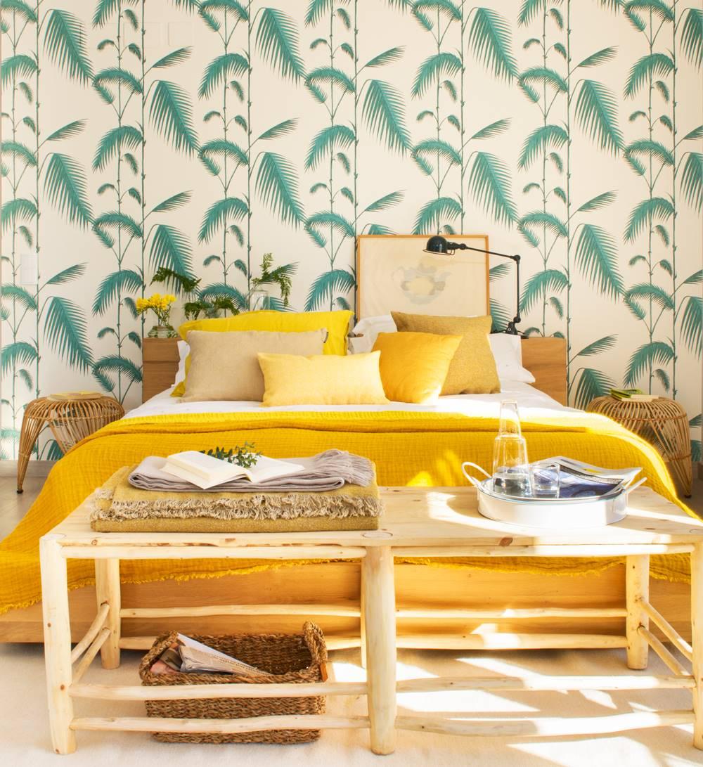 dormitorio-con-pintado-vegetal-en-verde-y-ropa- 11ce25afb14