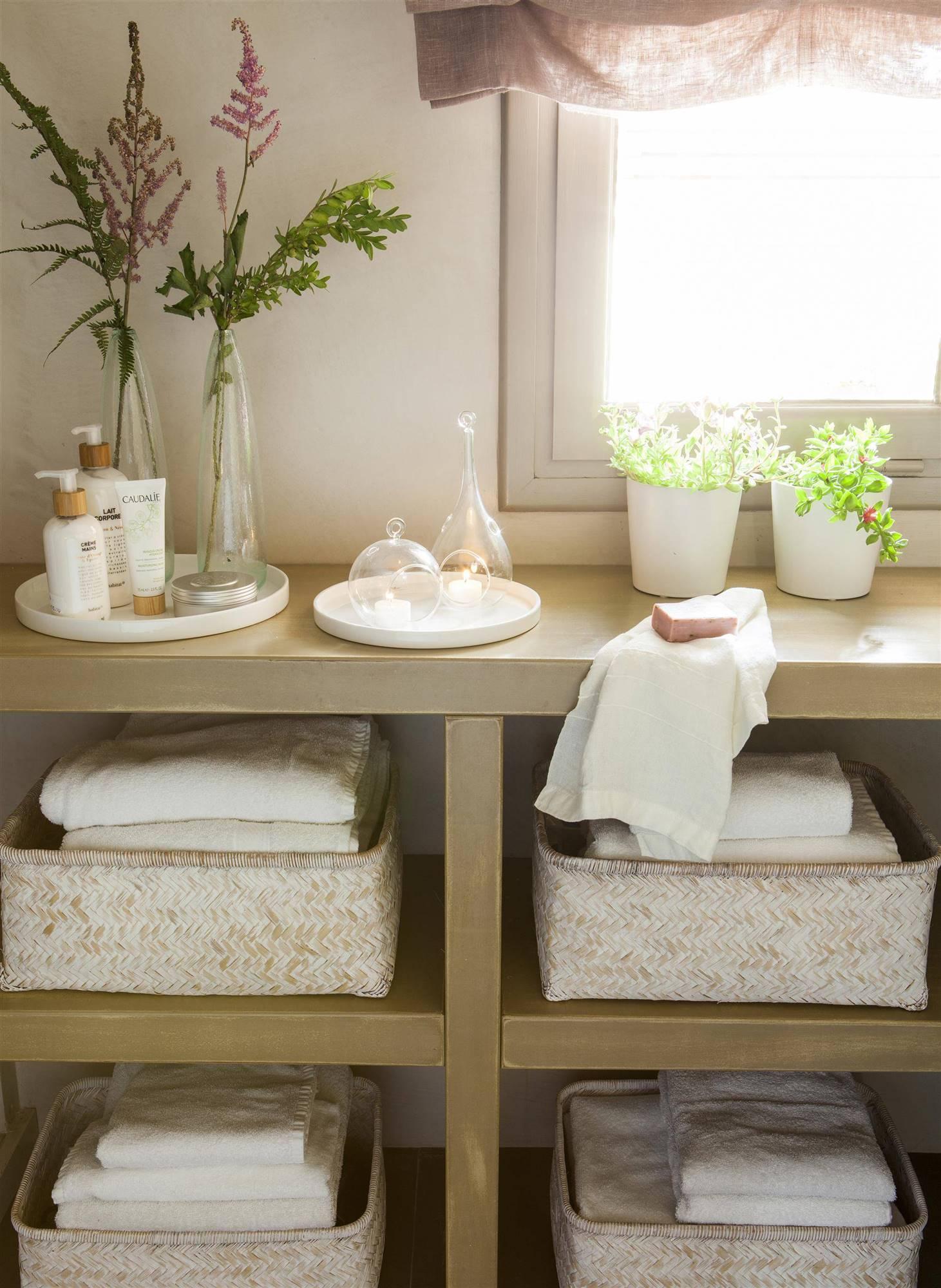 Redecorar el ba o for Cesta para muebles de bano