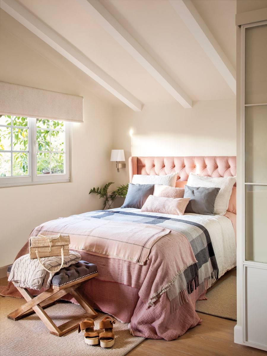 dormitorio-cabecero-rosa-capitone 489123. Estilo asegurado