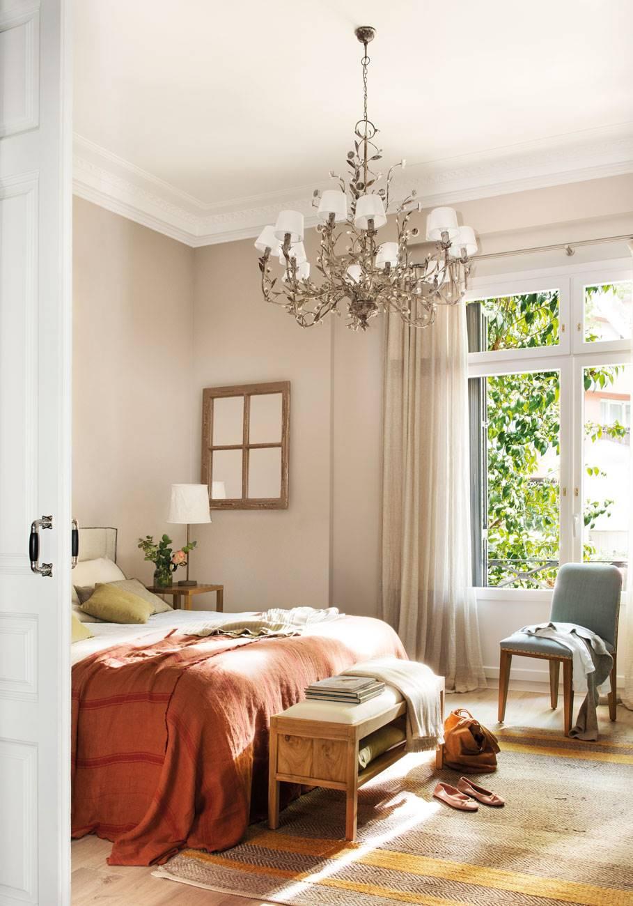 dormitorio-lámpara-chandelier 491956. Detalles románticos