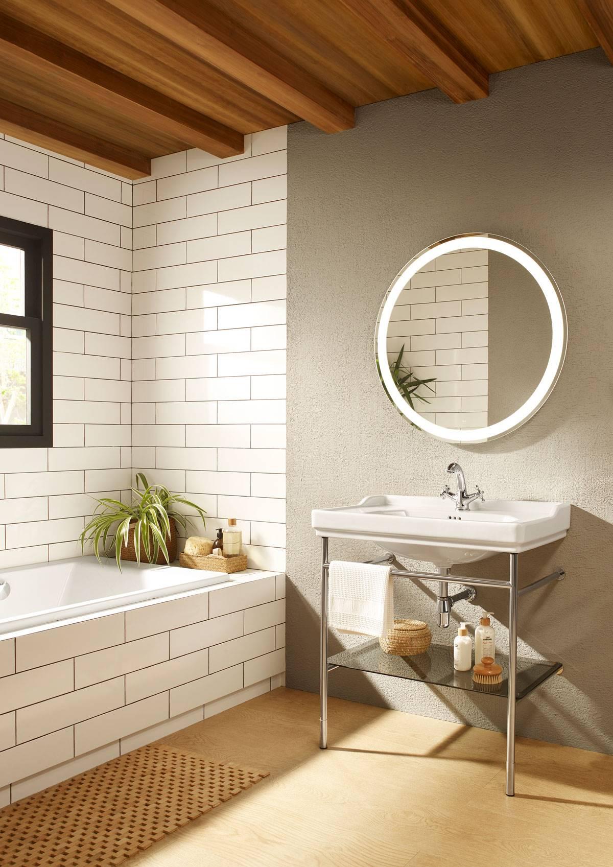 676ad57ab58a Suelos y paredes del baño: de cerámica, de microcemento, de madera...