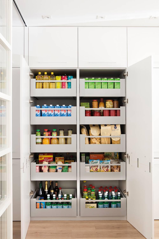 Una cocina con plano y presupuesto: tiene mil armarios