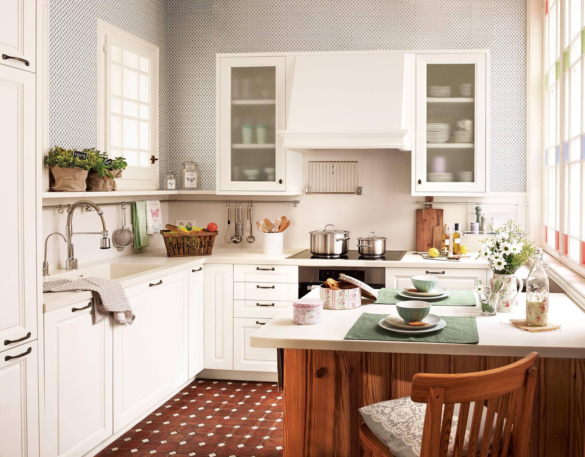 50 cleaning tricks kitchen order 004129771. 45. Use the Marie Kondo method to gain order in the kitchen