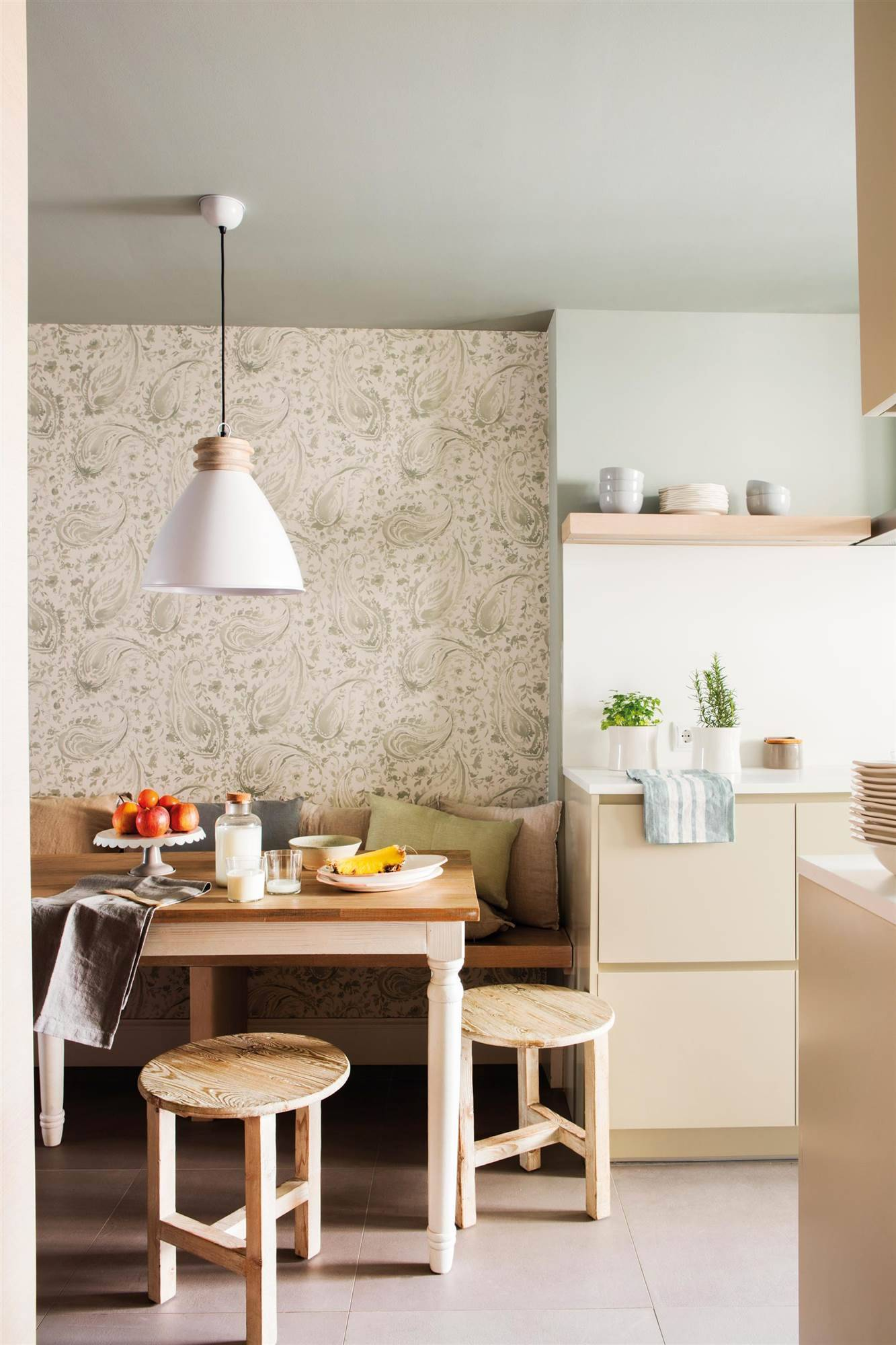 50 cleaning tricks kitchen wallpaper 00451954.  35. If the paper is not washable ...