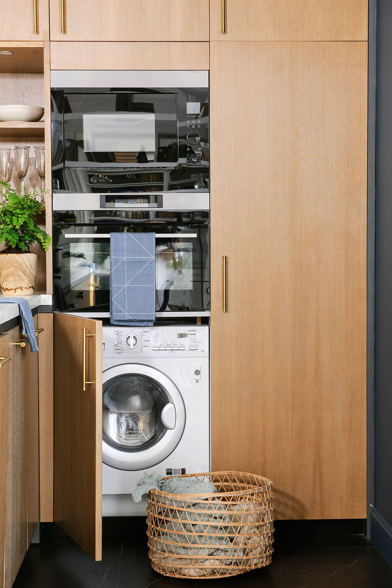 50 washing machine cleaning tricks 00470703. 20. Good maintenance, a perfect washing machine