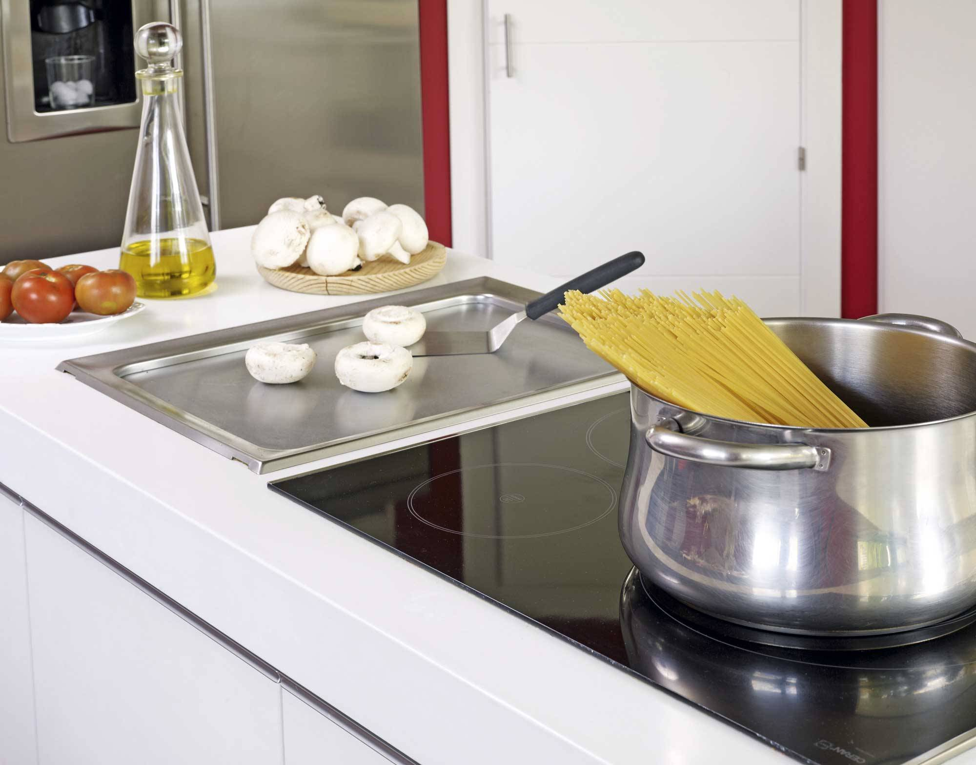 how to clean a ceramic hob 4. Ice to remove stains