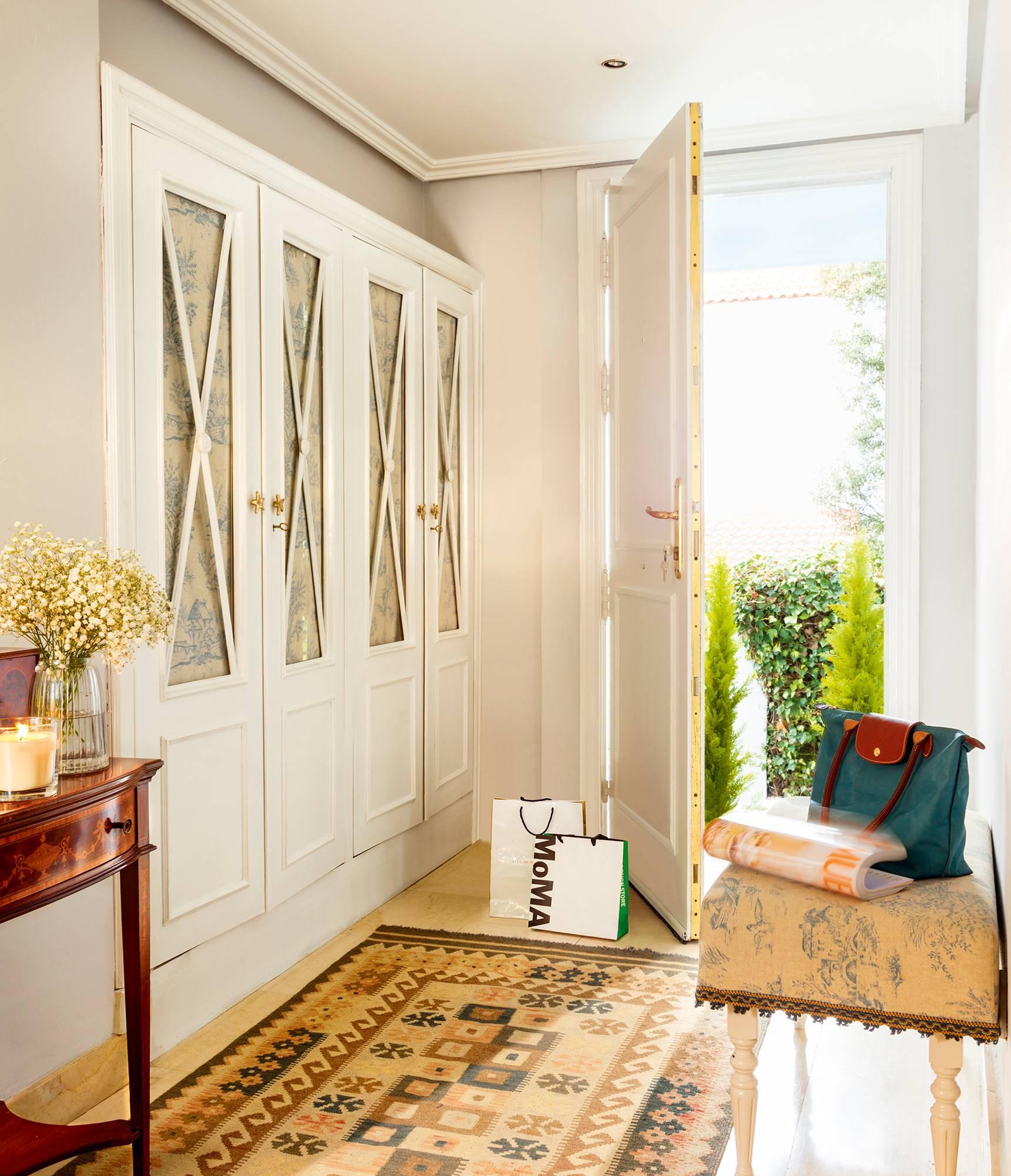Armarios para el recibidor pr cticos y muy bonitos - Como revestir un armario ...