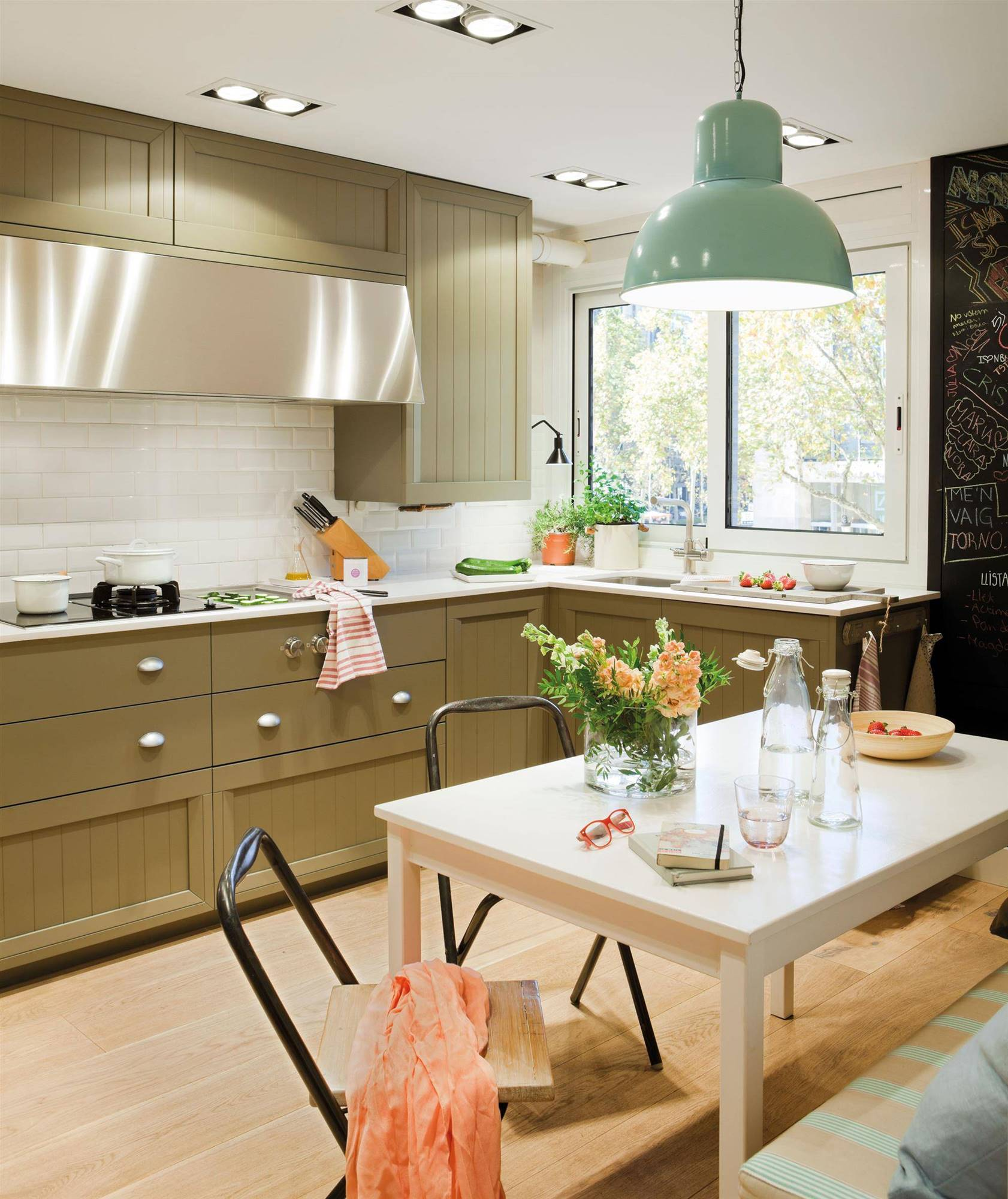 00381806. How much does it cost to put parquet in the kitchen?