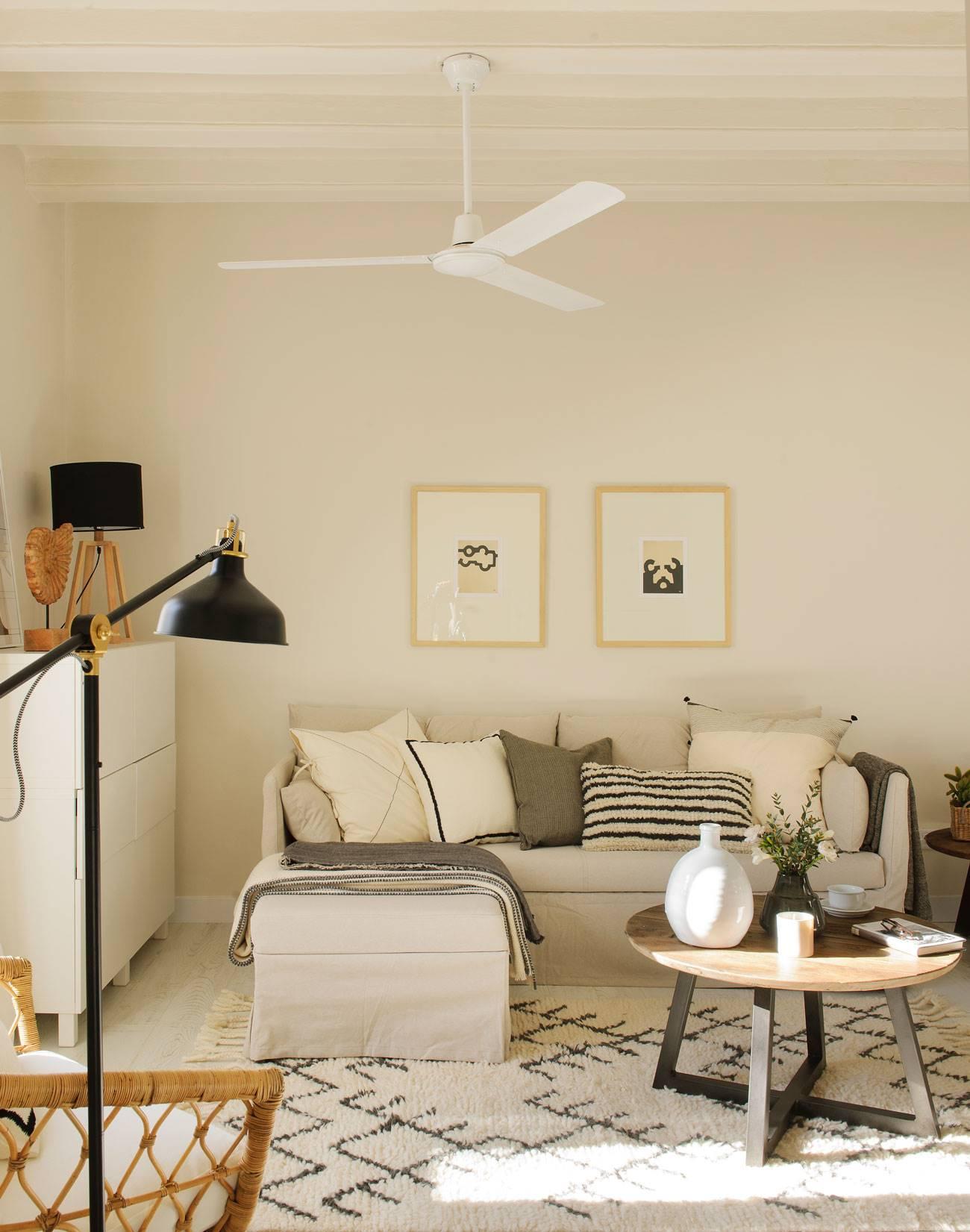 灰调小沙发的客厅呢