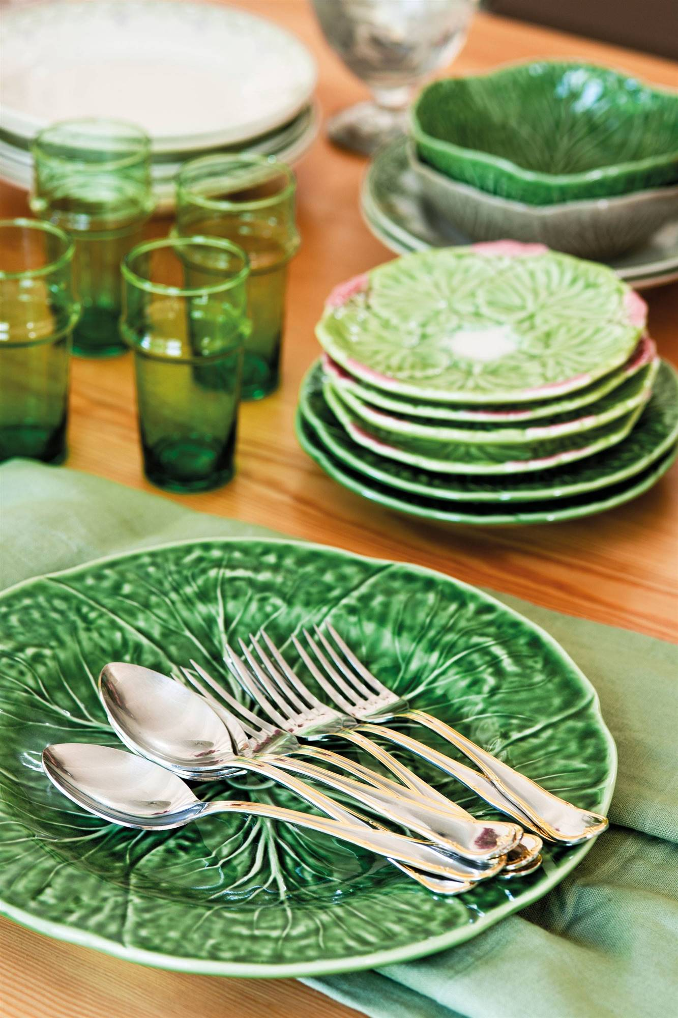 Dishes in green water.  After: the table comes first