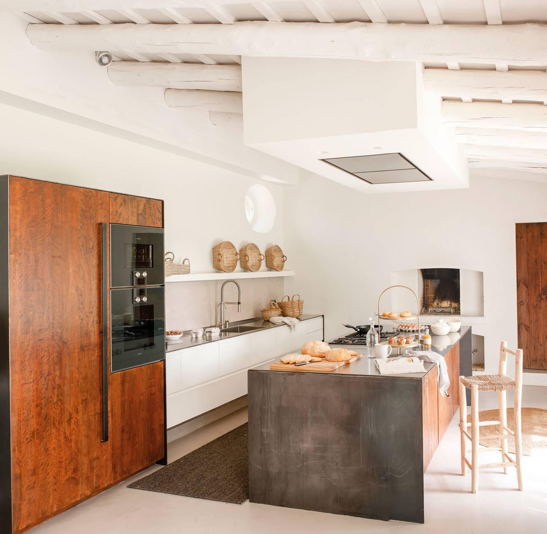 white-kitchen-with-dark-furniture 485464. A mix match that works