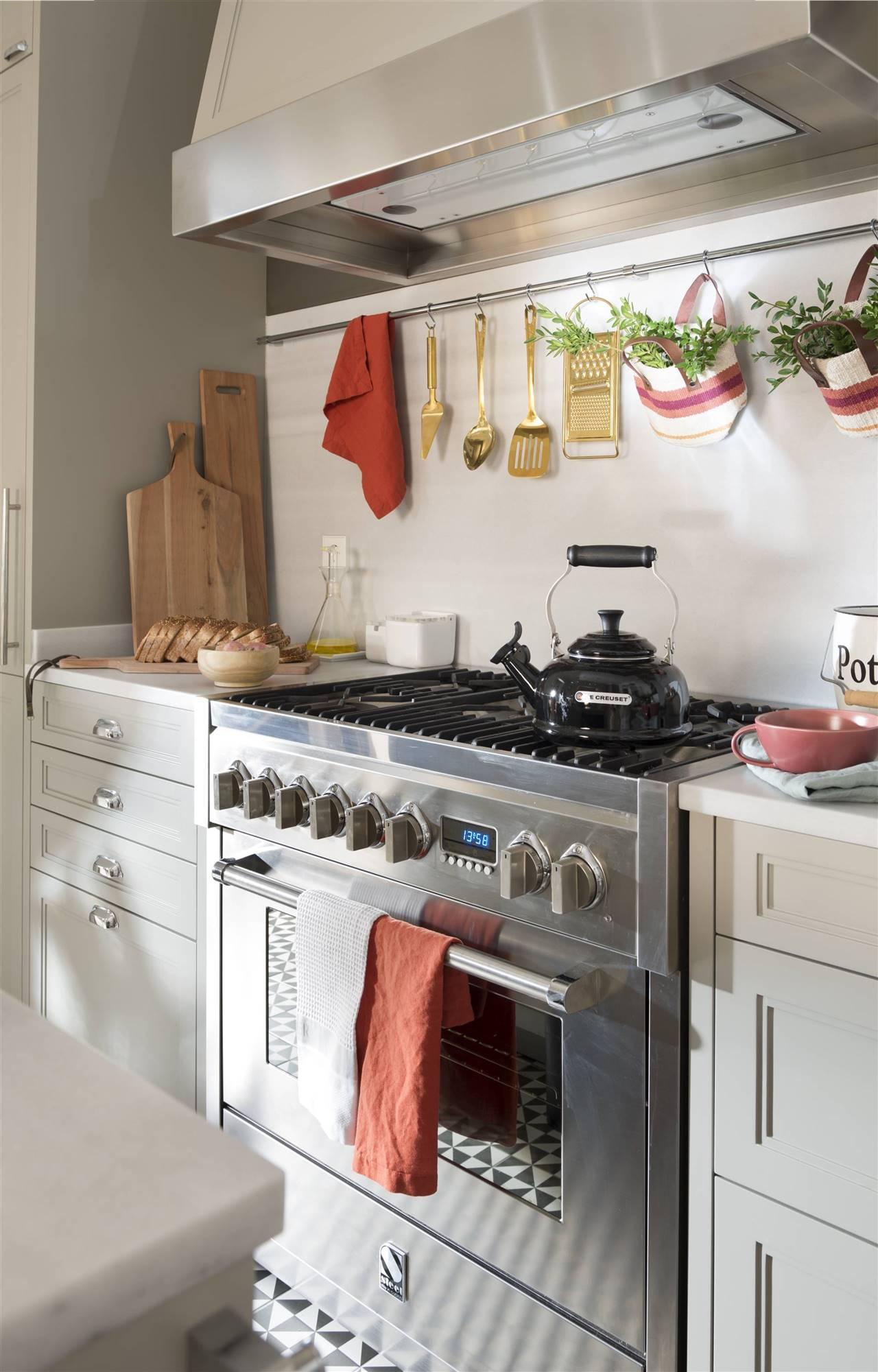 cocina-campana-y-fogones 00484166 O. Campana extractora