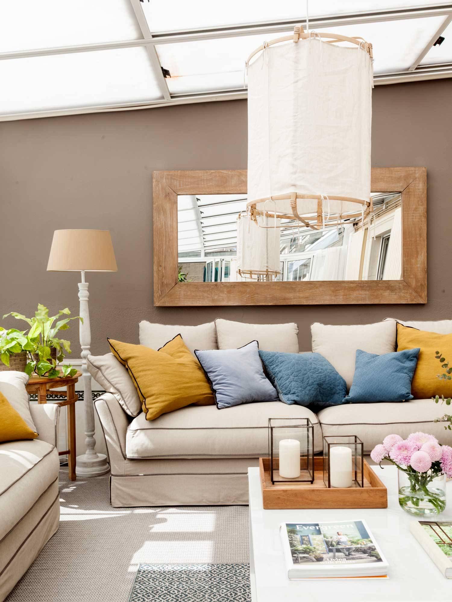 Como Decorar Un Sofa Blanco Con Cojines.Como Combinar Los Cojines Para Actualizar Tu Sofa