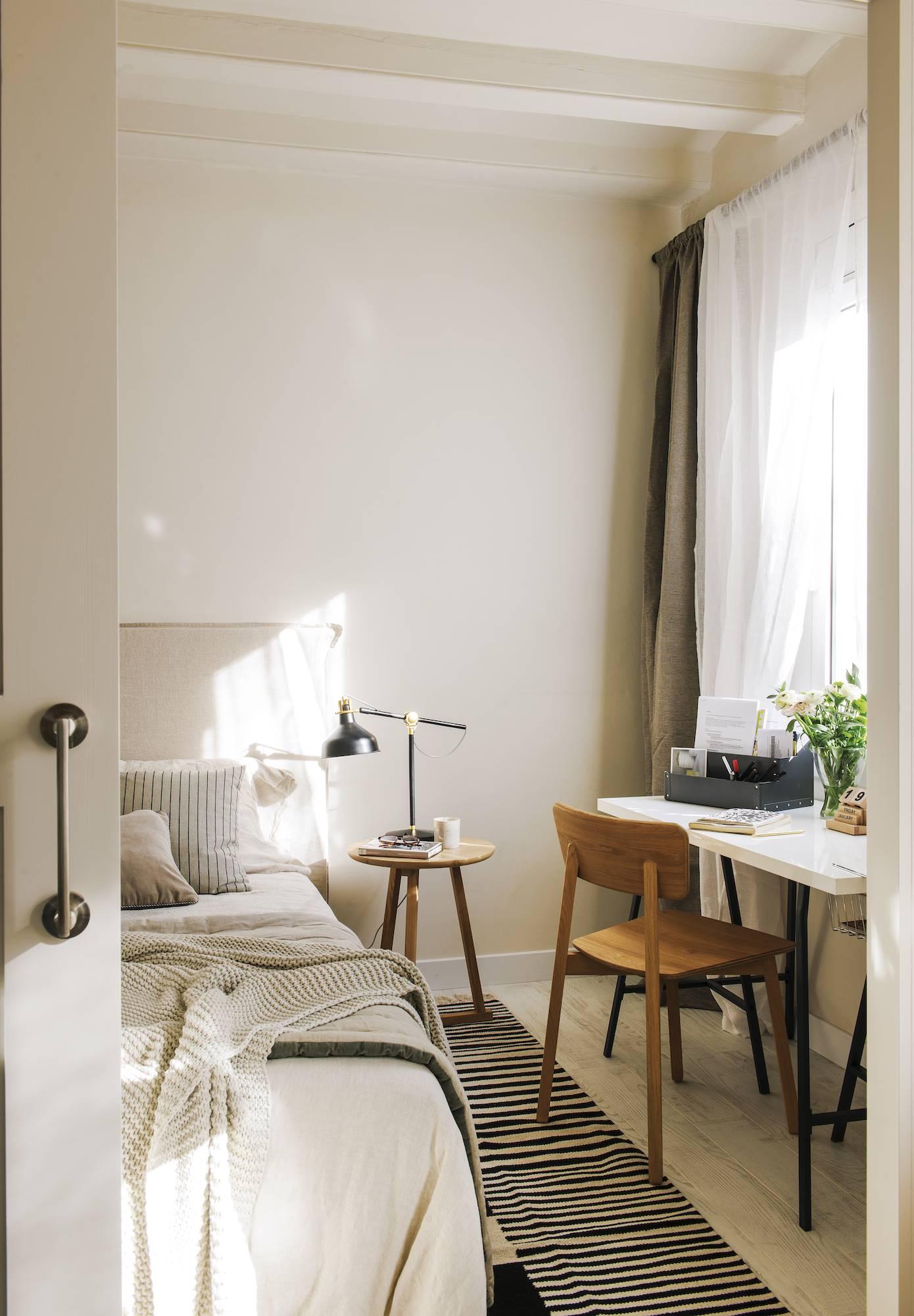 dormitorio blanco con toques negros 00483036. Con solo un poco de negro