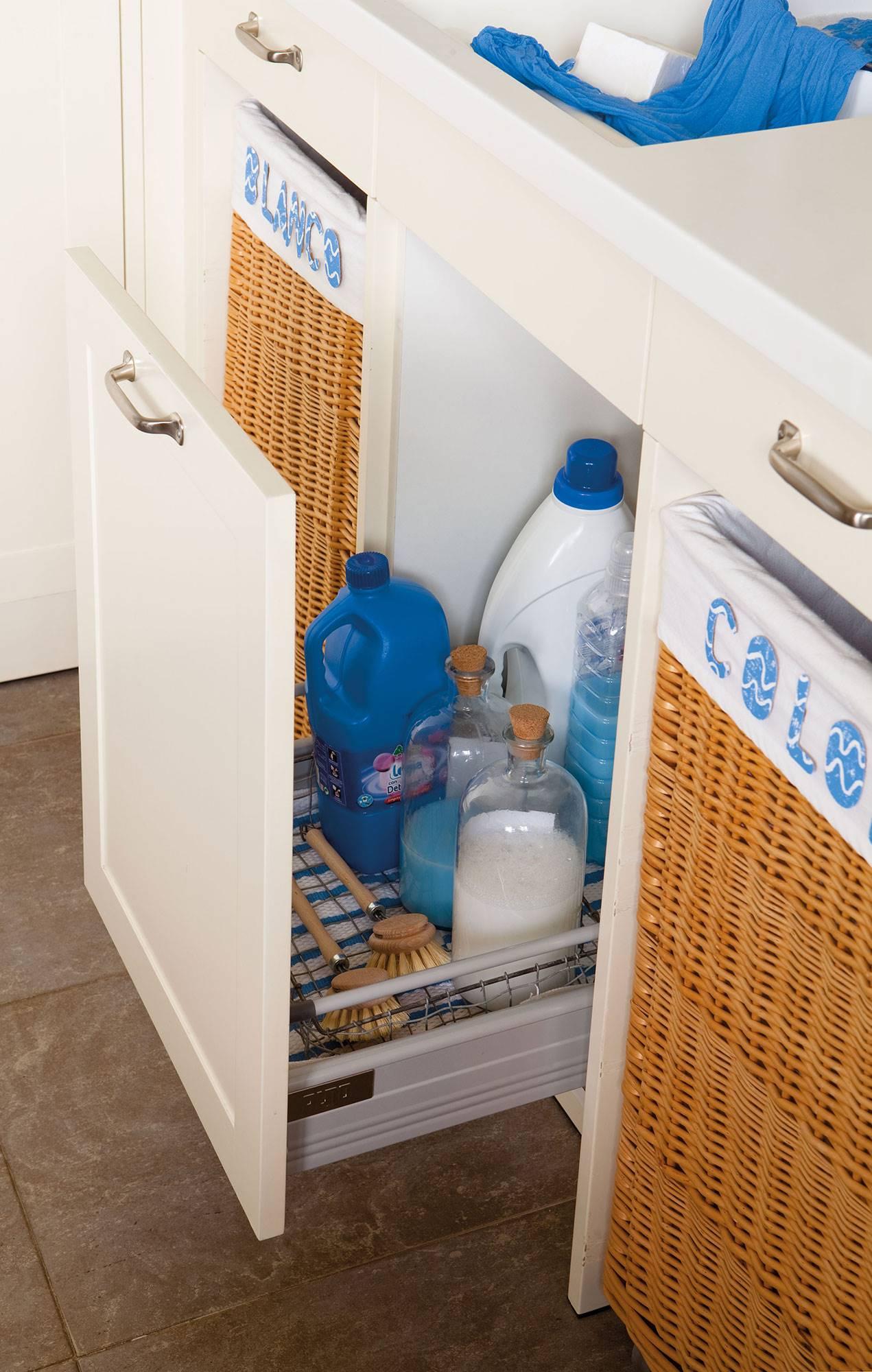 00349310. Un armario extraíble: todo a la vista y de fácil acceso