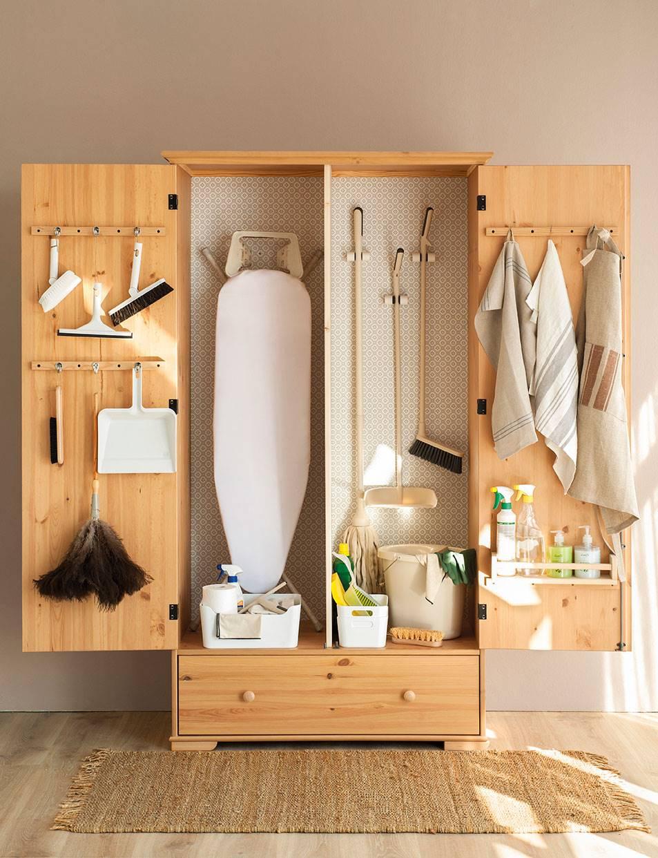 00436644. Destina un armario para la limpieza: unifica y vencerás