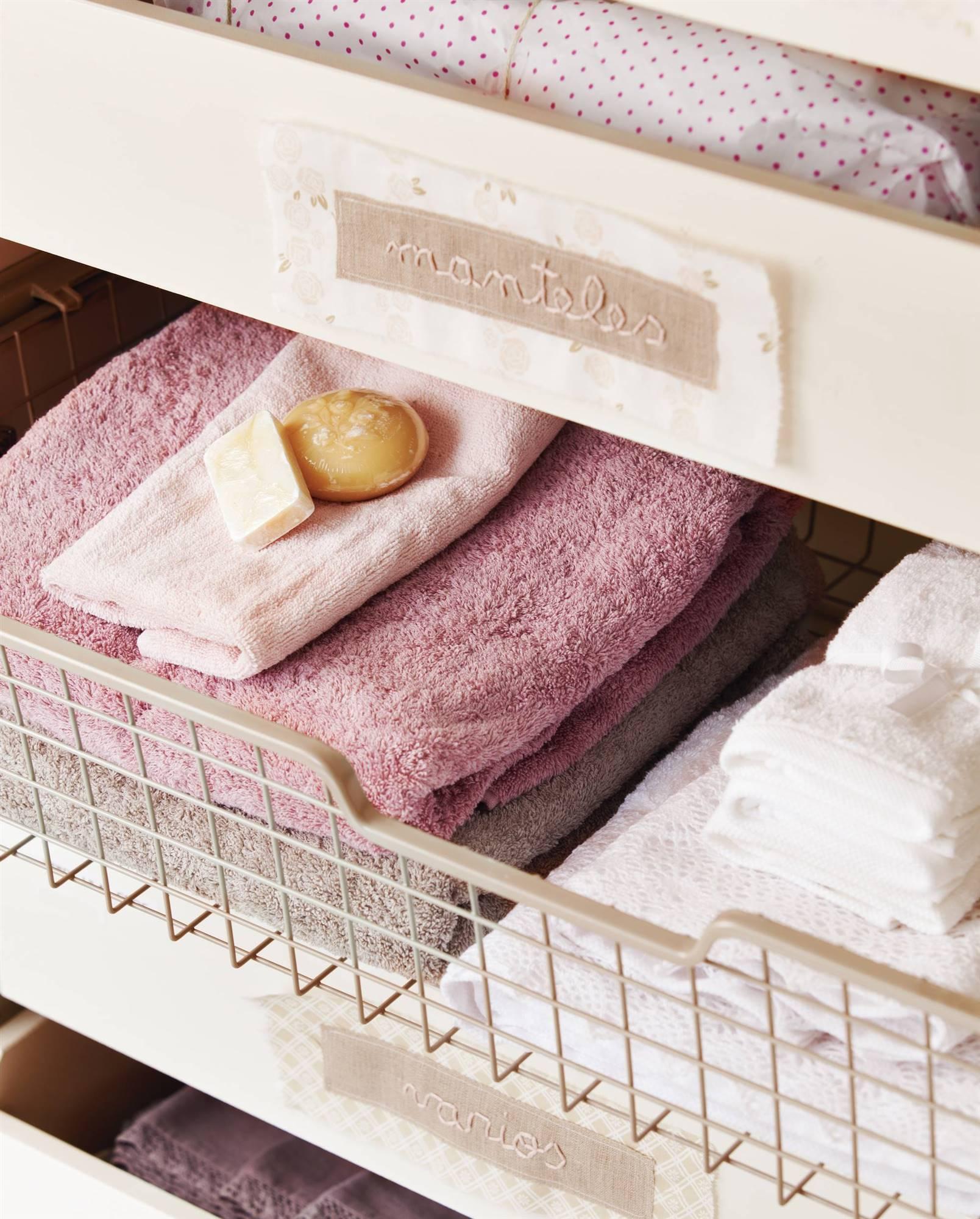 Cómo hacer que la ropa del armario huela bien