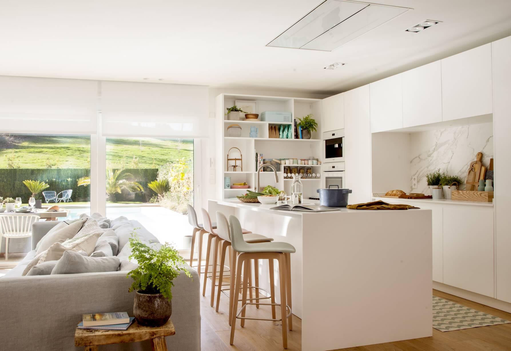 cocina blanca abierta sin tiradores ni campana 00503791 O. ABRE ESPACIOS E INTEGRA