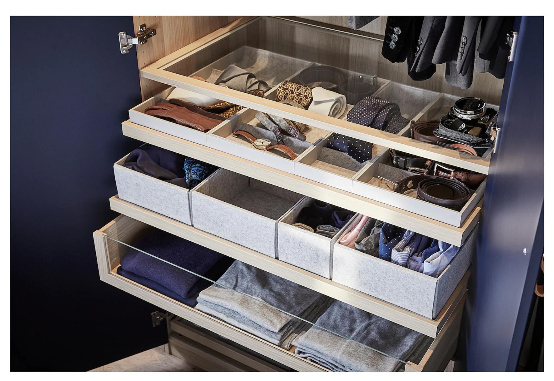 KOMPLEMENT almacenamiento corbatas IKEA. Para guardar las corbatas y otros accesorios