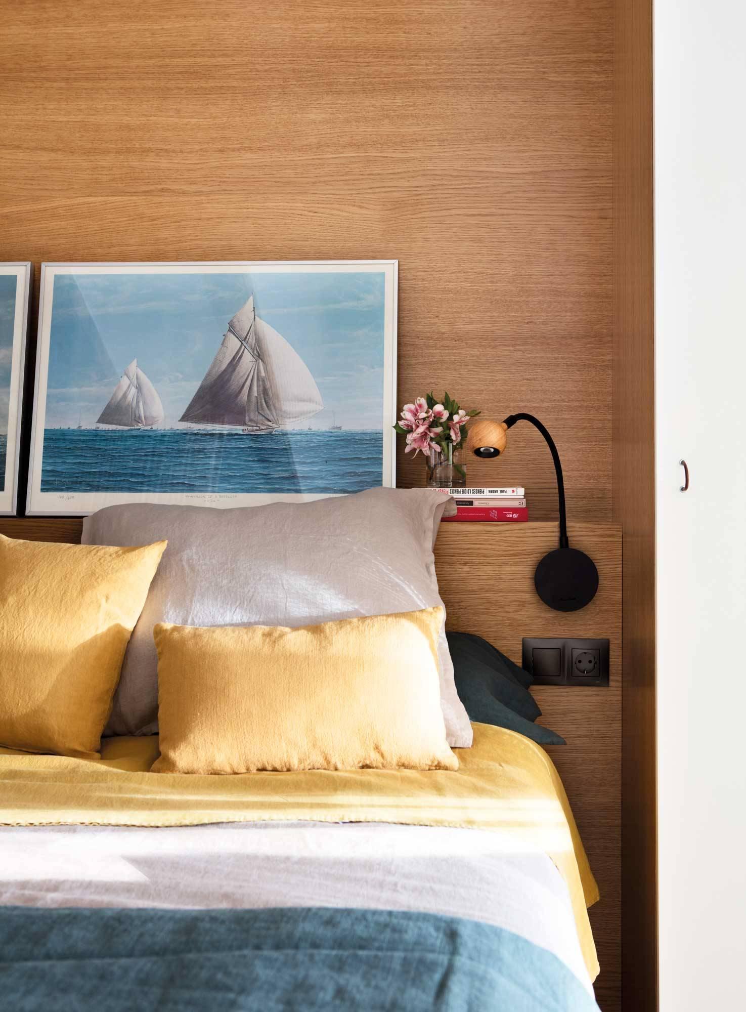 dormitorio-pequeno-cabecero-madera 00508382. Cabecero de obra, sí, pero de poco fondo
