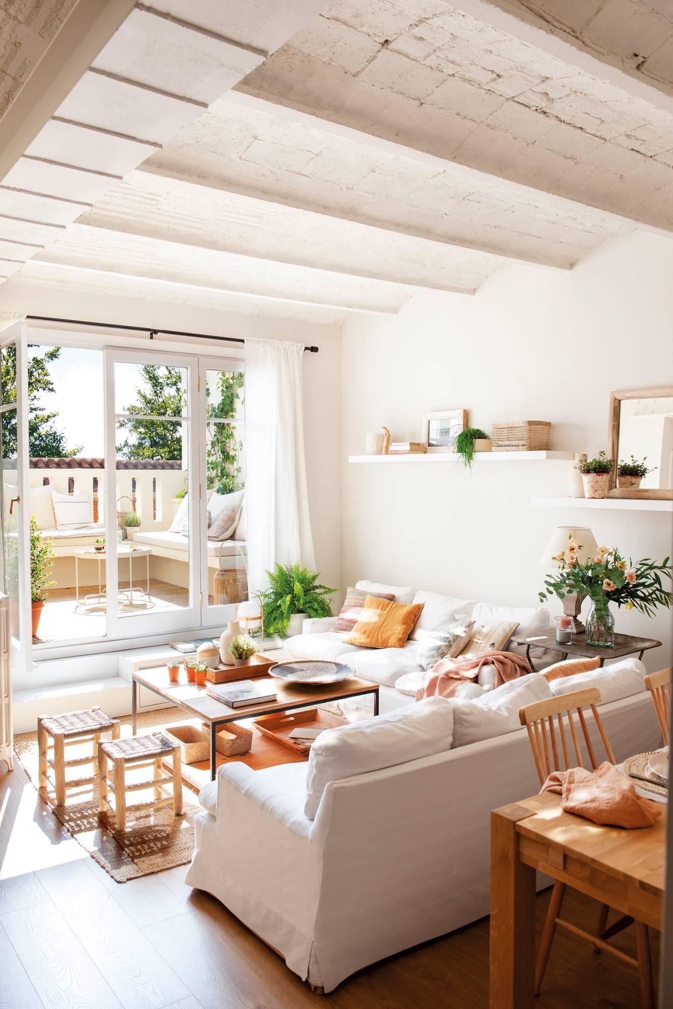 20 salones pequeños bien aprovechados con trucos para decorar