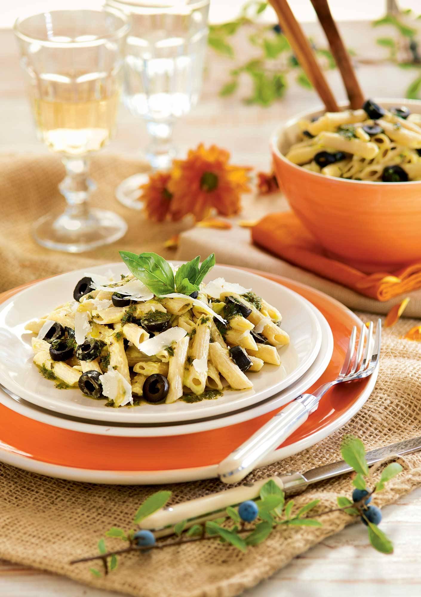 recipes-with-avocado-pasta-with-basil-and-avocado-00391549