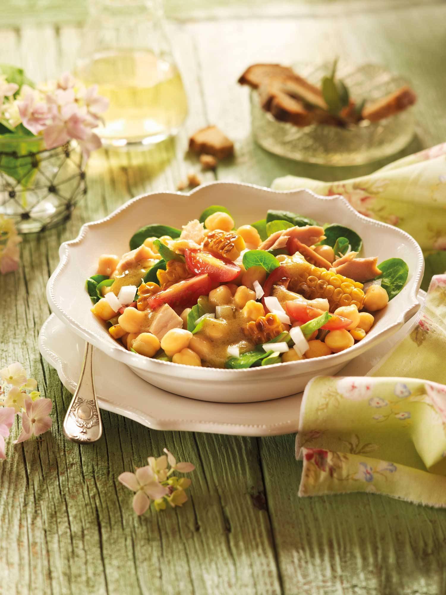 recipes-improve-health-chickpeas-tuna 00388404