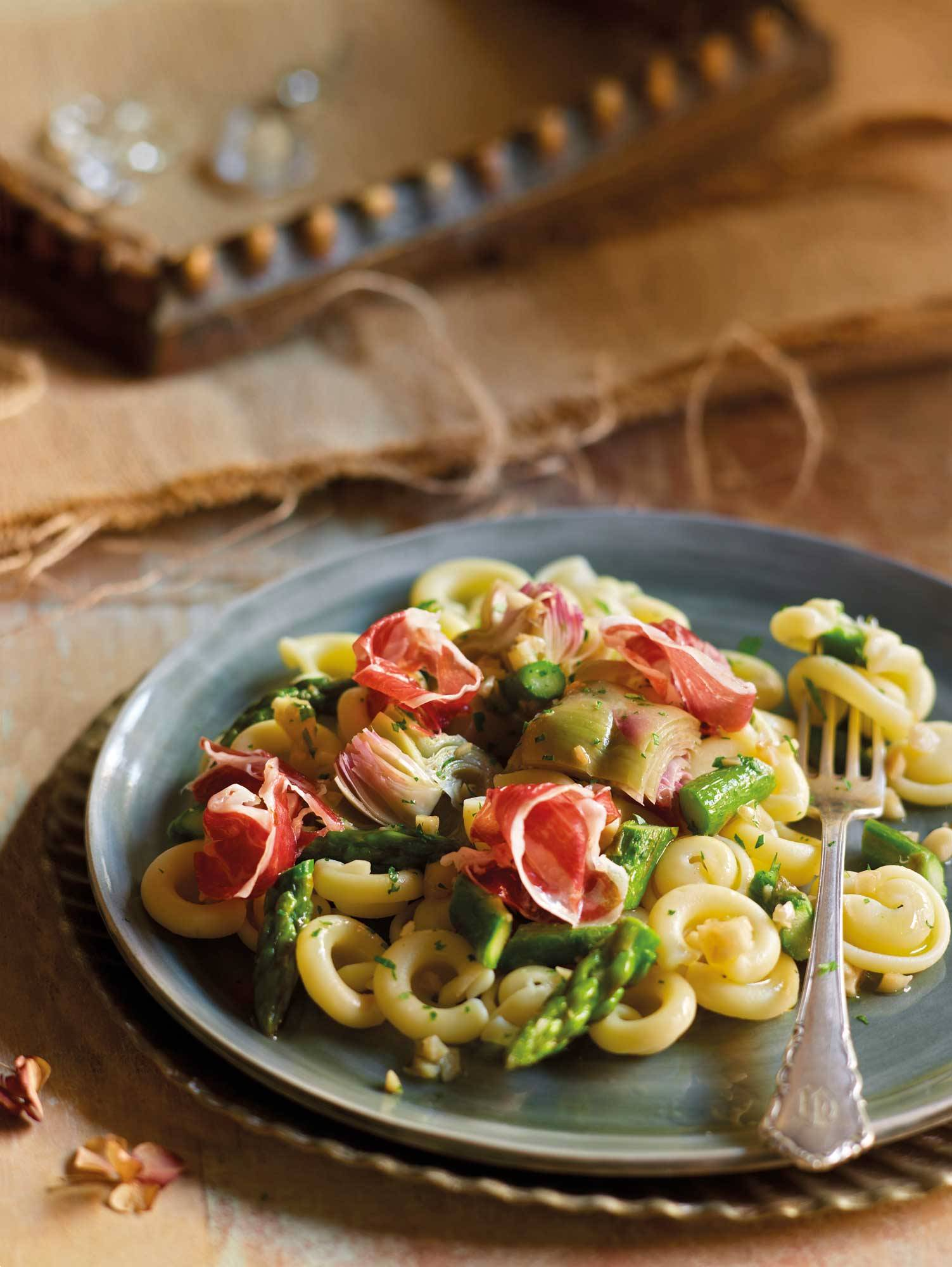 recipes-improve-health-pasta-asparagus 00376200