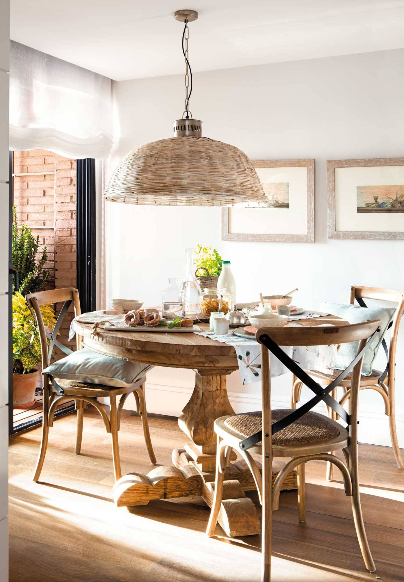 mesas rusticas de comedor sillas ventanas restauradas