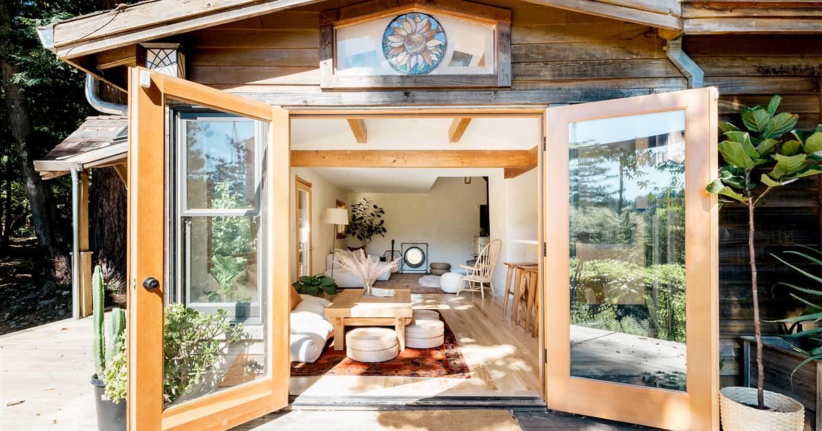 Una Mini Casa Para Practicar Yoga Y Meditación En El Bosque