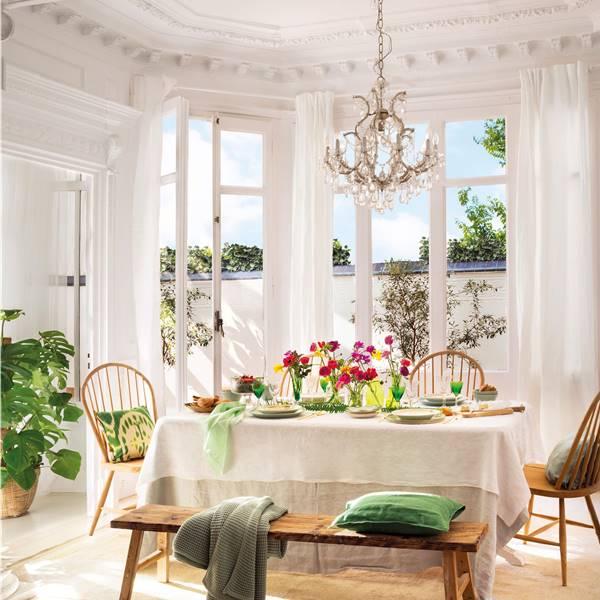 17 ideas para decorar con molduras y dar estilazo a tu casa