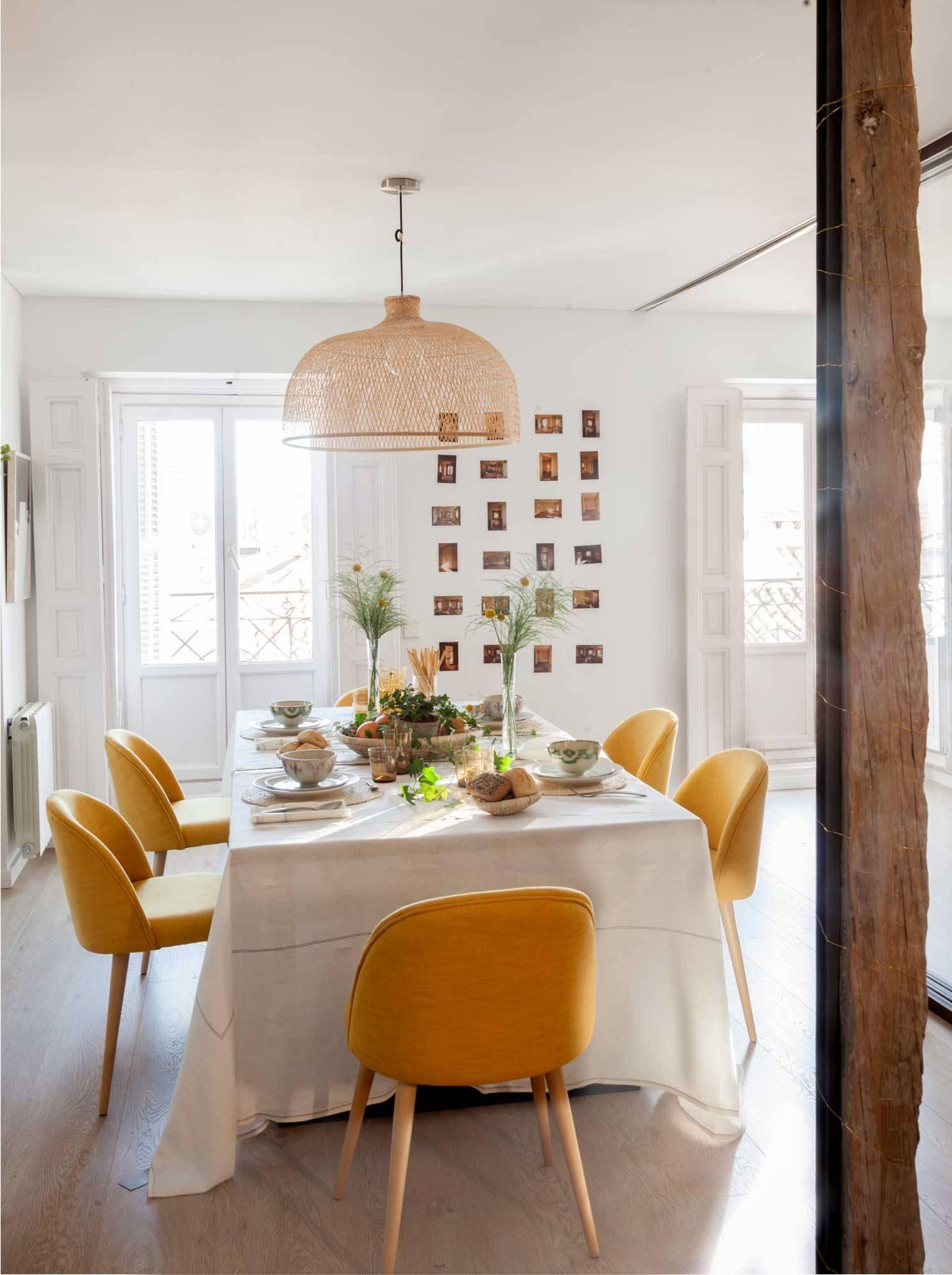 silla comedor con asa amarilla