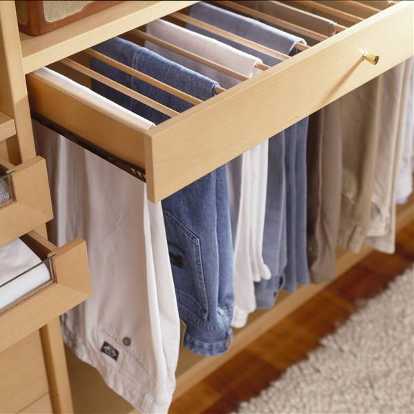 Ideas para guardar bien los pantalones y tenerlos a mano (con vídeo)